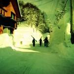 志津温泉は積雪5mオーバー。